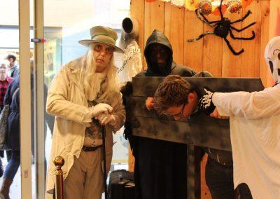 Halloween Party in Winkelcentrum - van Puurentertainment.nl