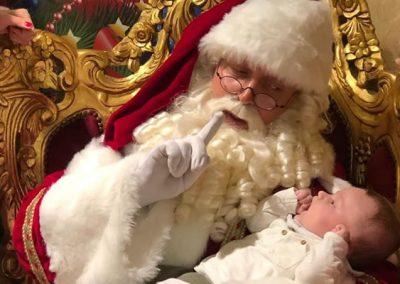 Kerstman met baby - puurentertainment